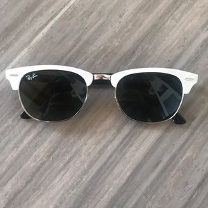 Ray-Ban Clubmasters in White